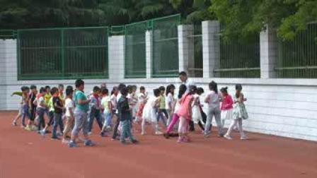 《水平一:跑与游戏》二年级体育,韩红军