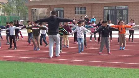 《立定跳远》科学版体育三上,俞辉
