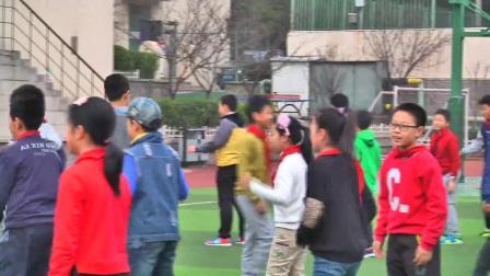 小学体育人教版五六年级《2.组合动作范例:我来教你跳舞》山东邢中辰