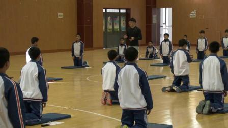 浙教版体育八上《头手倒立》课堂教学视频实录-王平