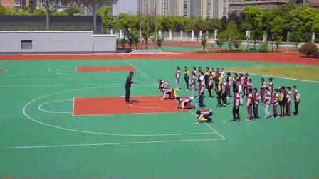 小学体育五年级《支撑跳跃》课堂教学视频实录-陈兴达