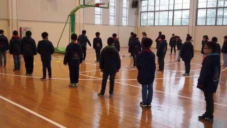 《跑:高抬腿跑》三年级体育,王志辉